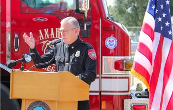 Chief Bruegman at podium cropped sml v2